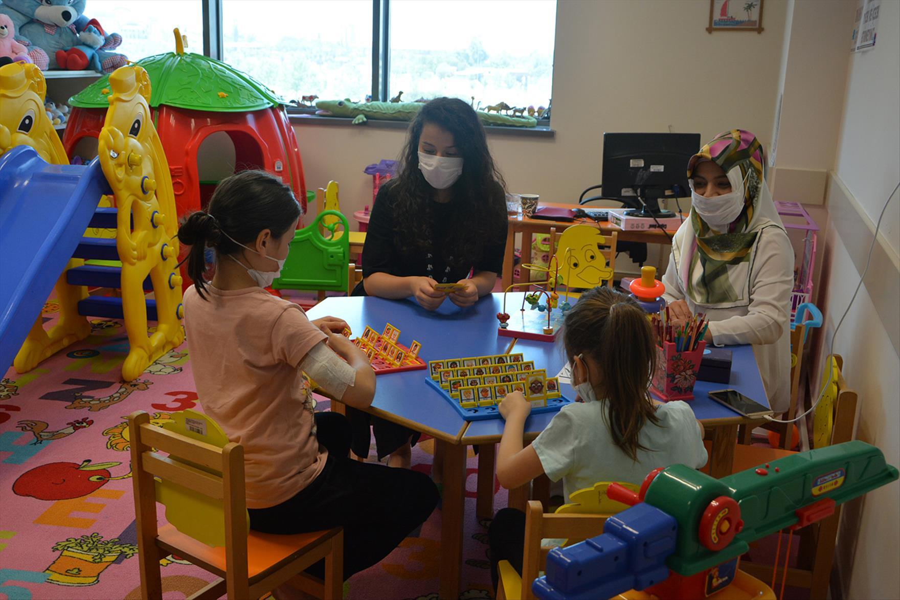 PAÜ Hastanesinde Çocuklar Eğitimden Geri Kalmadı
