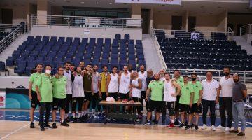 Merkezefendi Denizli Basket'te Gökhan'a Doğum Günü Sürprizi