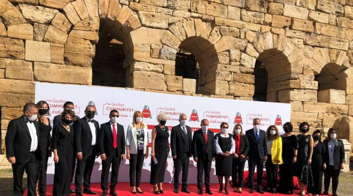 Antik Tiyatro'da Cumhuriyet Coşkusu