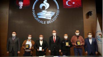 Başkan Örki'den Emekli Olan Personellere Plaket