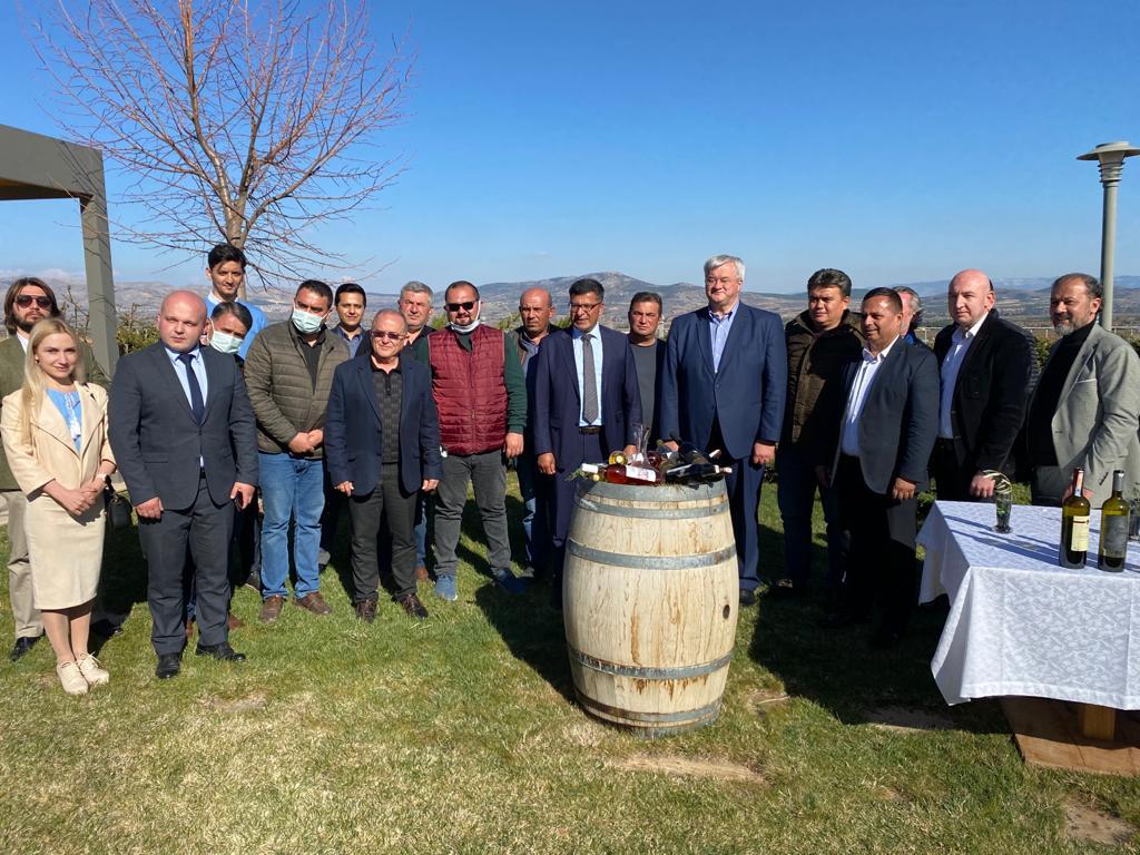 Ukrayna'nın Ankara Büyükelçisi Çal'da