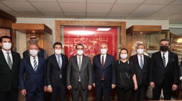 Bakan Dönmez'den Başkan Zolan'a övgü