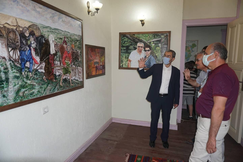 Çivril'de Nejdet Sönmez Resim Sergisi Açıldı