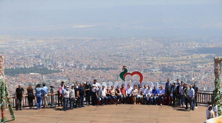 Başkan Örki Seyir Tepesi'nde gazetecileri ağırladı